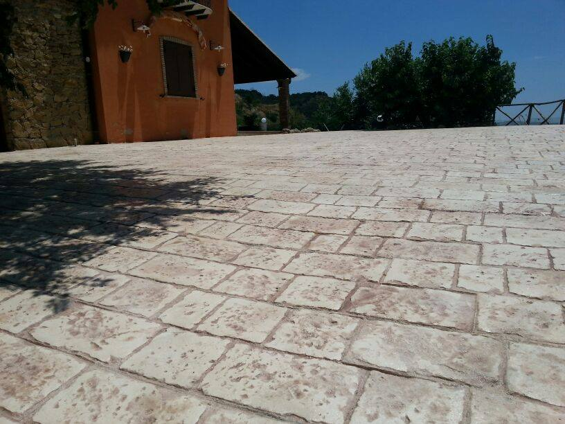 Pavimento giardino economico idee per la casa for Pavimenti x esterni ikea