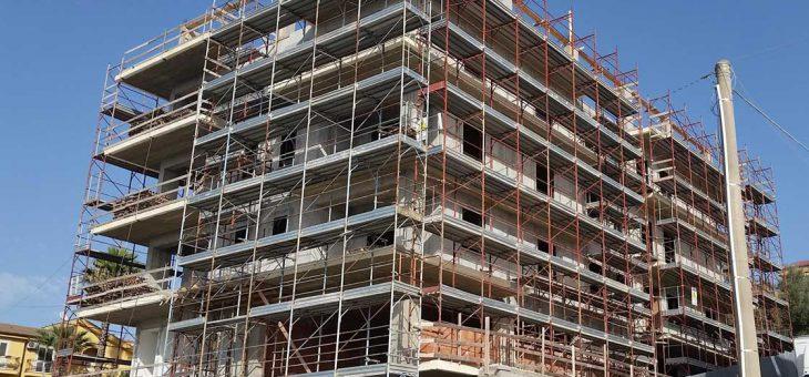 Costruzione di un palazzo a Favara